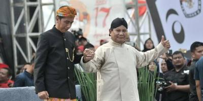 Sebenarnya, Siapa Jokowi dan Prabowo?