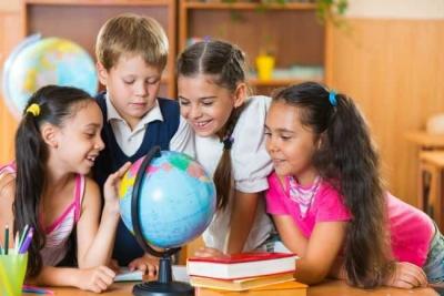 """Ingin Coba """"Homeschooling"""", Siapkan Mental Roket Pada Anak"""