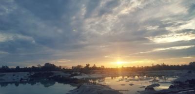 Sunrise di Danau Kaolin Belitung