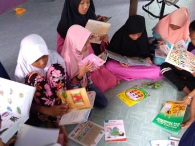 Mendirikan Pojok Baca Pena dan Buku di Balikpapan
