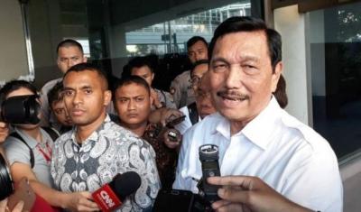 Baca Dulu Baru Komentar, Entengnya Luhut Tepis Serangan Prabowo