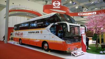 Hino Belum Siap Bersaing di Kelas Bus Tingkat