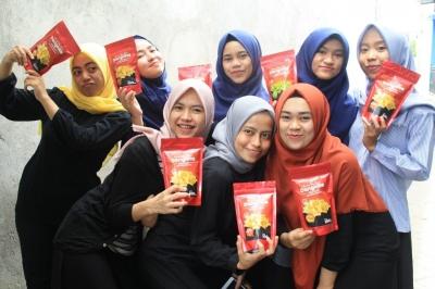 Dangkits, Produk Kripik Dangke Ala Dara-dara Cantik Unismuh Makassar