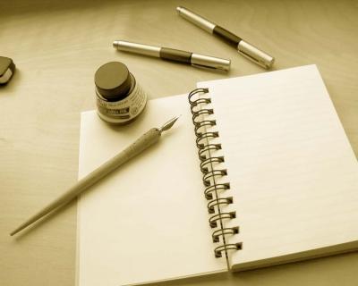 Benarkah Jatuh Cinta Pintu Gerbang Hobi Menulis?