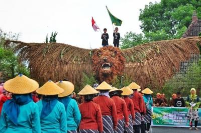 Festival Giriseba (Menyulap Limbah Menjadi Indah)