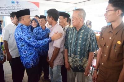 Diserahi Sarana Wirausaha, TKM Gau Baji Bantaeng Berpeluang Membuat Perahu