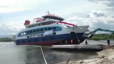 KMP Ihan Batak Layani Warga dan Wisatawan di Danau Toba