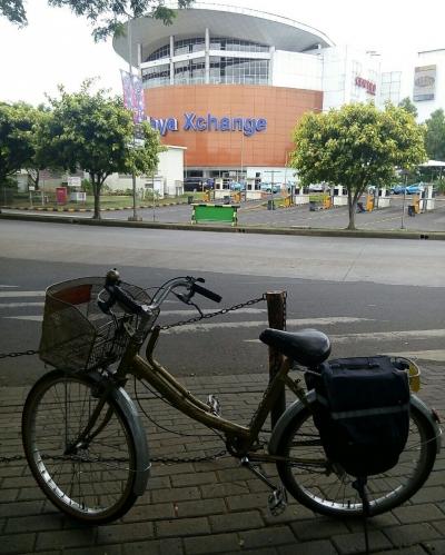 Bersepeda ke Bxchange