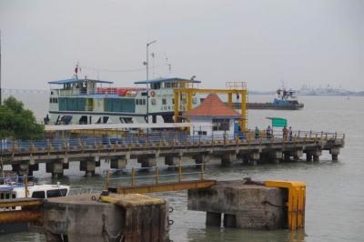 Mati Segan Hidup Tak Mau Pelabuhan Kamal Madura