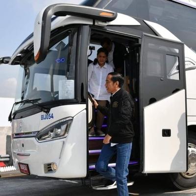"Damri Kalbar Pamerkan ""Bus Presiden"" Jokowi"