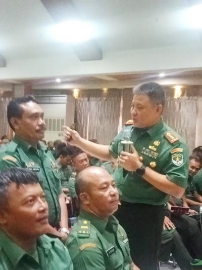 Babinsa Kodim 0503/JB Turut Hadiri Acara Danrem 052/Wkr, Beri Pembekalan Netralitas TNI
