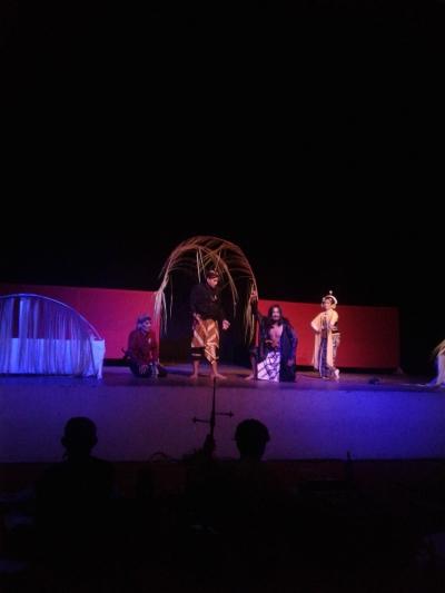 Teater si Anak Tiri di Sekolah