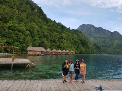 "Ora Beach, ""Maldivesnya"" Pulau Seram Maluku Tengah"