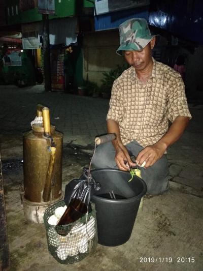 Saleem, Minuman Tradisional Ramah Lingkungan yang Masih Bertahan di Keremangan Zaman