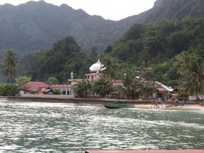 Review Saleman Villa Resort & Kakatua Resort