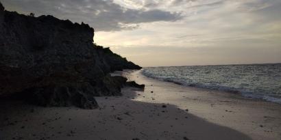 Oro Beach, Keindahan yang Dilupakan