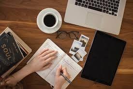 Menjadi Penulis Biasa Itu Mudah, Tetapi Menjadi Penulis yang Baik Itu Susah