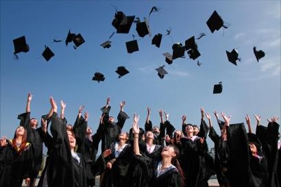 Pendidikan Tinggi Bukan Jaminan Kesuksesan, Benarkah?