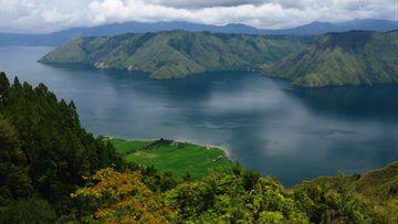 Jalan Baru Manjakan Wisatawan Danau Toba