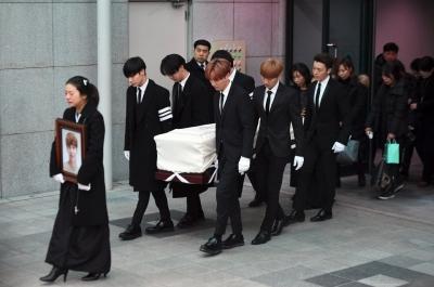 Bunuh Diri Artis K-Pop Tingkatkan Angka Bunuh Diri, Kok Bisa?