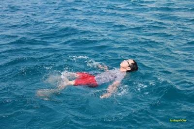 Agar Nyaman dan Menikmati Berenang di Laut