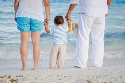 Tips Liburan ke Luar Negeri Hemat Bersama keluarga