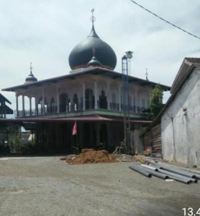 Bendera Partai Berkibar di Tempat Ibadah Memunculkan Polemik