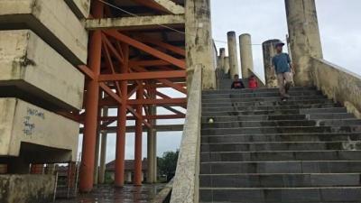 Gedung Evakuasi Tsunami di Labuan, Fungsi Mitigasi dan Lahan Korupsi