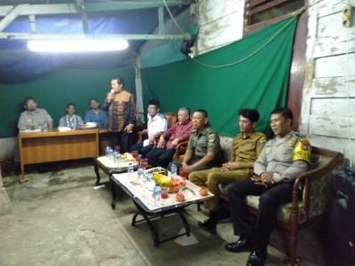 Bersama Tiga Pilar Kota Bambu Selatan, Babinsa Koramil 03/GP Menghadiri Peremajaan RT04/RW07