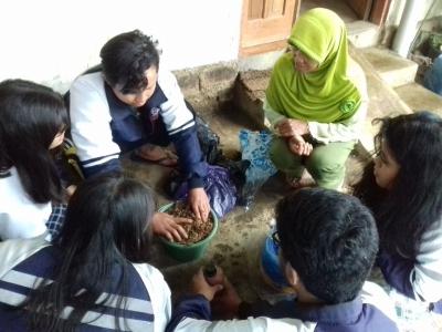 Olahan Limbah Kulit Kopi untuk Peternak Pitrosari, Temanggung