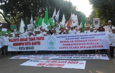Rumah Ibadah, Persekusi, dan Regulasi di Indonesia