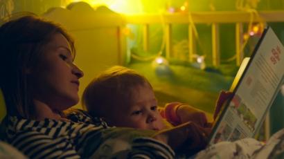 Gerakan Membacakan Buku bagi Anak Sebelum Tidur