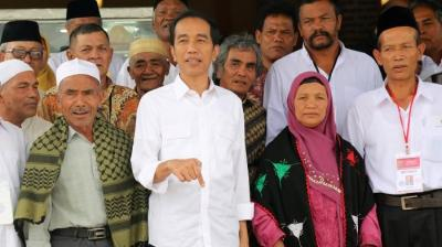 Saat Ayah Angkat Ngomong Jangan Fitnah, Jokowi Ngomong Lawan Para Pelakunya