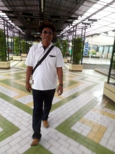 "Gubernur Papua Diduga Turut Menjual Isu ""Papua Merdeka"""