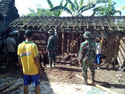 Peduli Warga Miskin, TNI dan Bazarnas Bedah Rumah Tidak Layak Huni