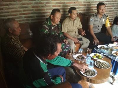 Sinergitas TNI-Polri, Babinsa dan Babinkamtibmas Sambangi Warga Binaan