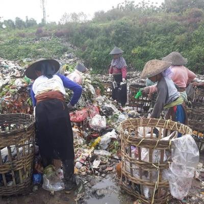 Pembuktian Terbalik Larangan Penggunaan Kantong Plastik
