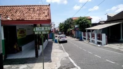 Risiko Penularan Penyakit HIV di Lokalisasi Argorejo Semarang