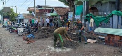 Karya Bakti TNI-Polri Bersama Elemen Masyarakat di Masjid Sabilul Muttaqin
