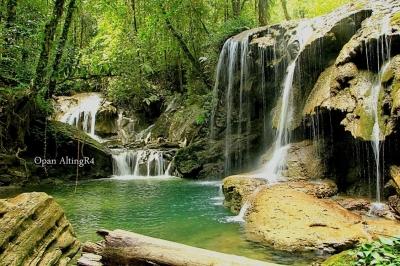 Pesona Air Terjun Malol di serambi Kampung Gamta