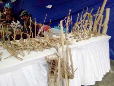 Wayang Unik dari Mendong di Pasar Budaya