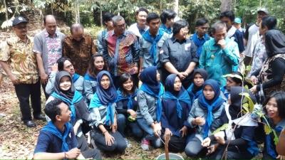 Kementrian lingkungan Hidup dan kehutanan Alokasikan 28 Miliar untuk KHDTK dan Gelar Kuliah umum di Fahutan Unmul