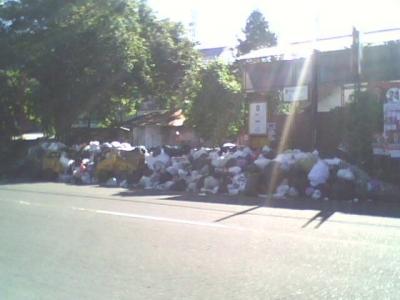 Sampah di Beberapa Tempat di Kota Yogyakarta Menumpuk, Bau Menyengat