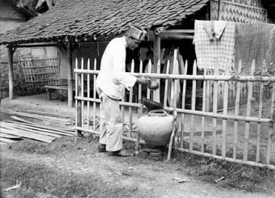 Kisah Gentong Air Depan Rumah yang Nyaris Punah