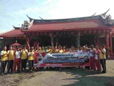 "TNI-Polri Bersih-bersih Klenteng ""Hok Tek Bio"" Brebes"