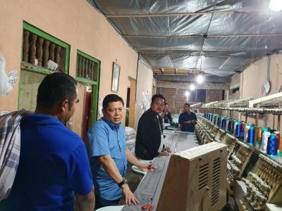 Bina Masyarakat Kelola Usaha, Donny Imam Priambodo Kunjungi Pabrik Konveksi