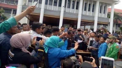 [Update] Plt Gubernur Aceh, Nova Iriansyah Teken Petisi Siap Turun Jabatan Jika Mengkhianati