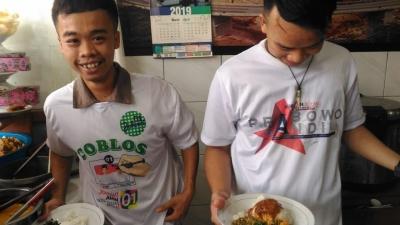 Pesan Pemilu Damai dari Warung Makan Padang