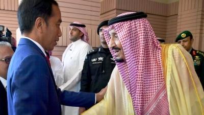 Jokowi ke Saudi, Indonesia Tambah Kuota Haji