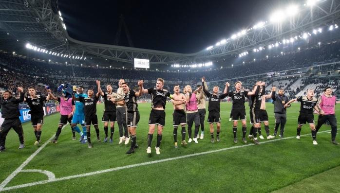 Menantikan Masa Depan Ajax Amsterdam
